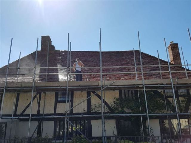 roof cleaning moss removal dartford